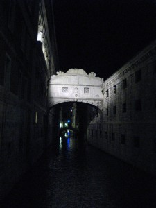 An eerie picture of the Bridge of Sighs at night.